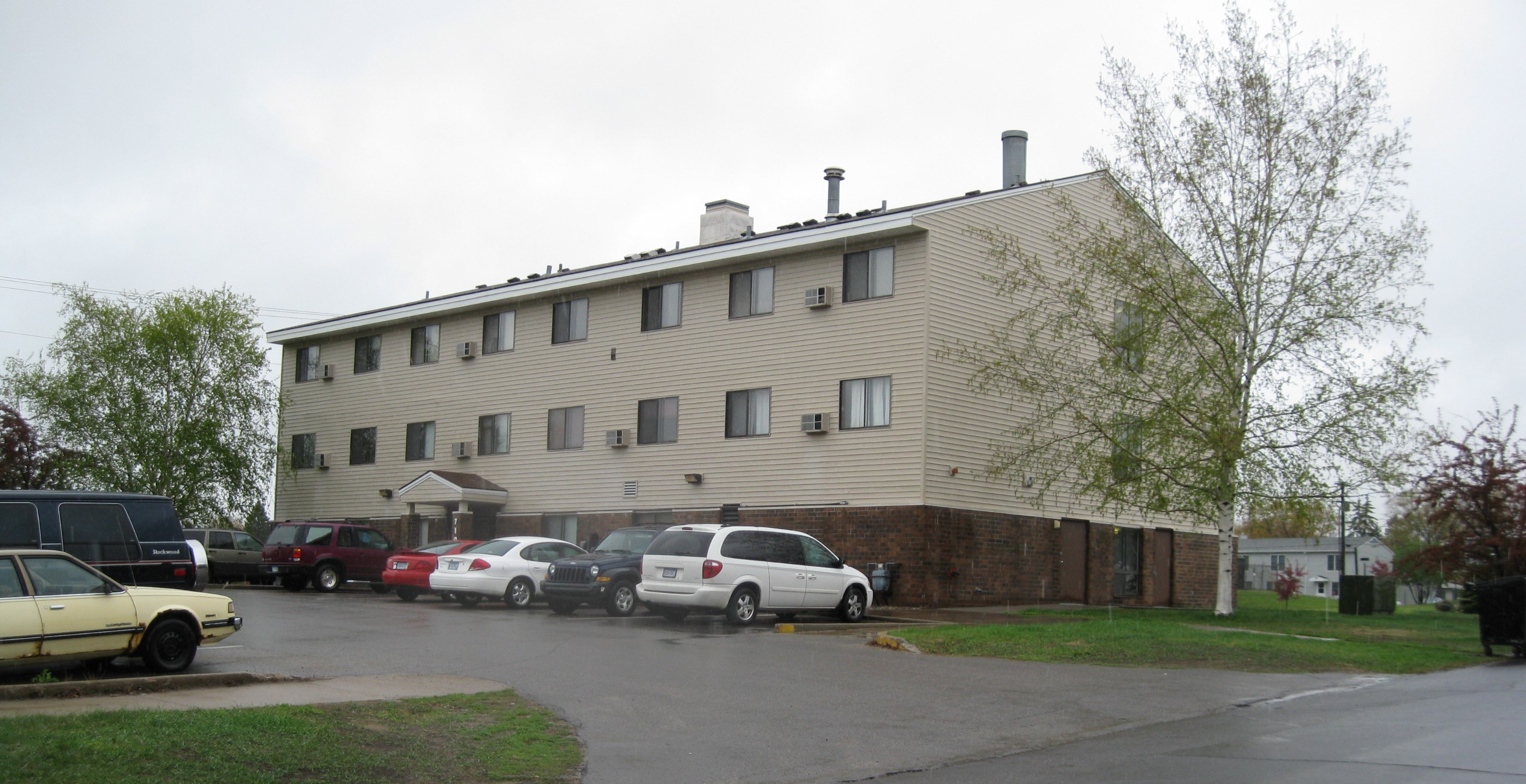 Winston Court Apartment Building